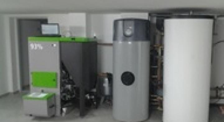 Calefacción e auga quente en vivenda unifamiliar en Cenlle