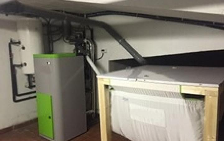 Calefacción e auga quente en vivenda unifamiliar en Calvos de Randín
