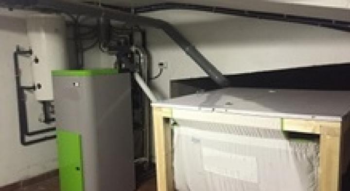 Calefacción y agua caliente en vivienda unifamiliar en Calvos de Randín